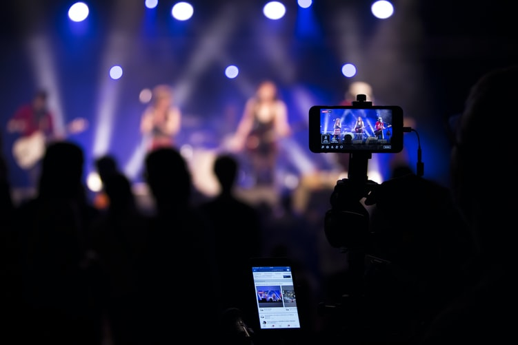 10 Tips for Podcasting while Live Streaming